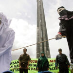 Arabia Saudí: Condenan a 200 latigazos y cárcel a joven violada