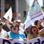 """Profesores marchan en Chile para exigir pago de """"deuda histórica"""""""