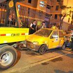 Surco: Liberan calles invadidas por autos abandonados