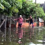 Paraguay: Ascienden a 100 mil los evacuados por crecidas del río