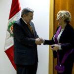 Alcaldesa de Madrid recibe la Orden de la Gran Cruz Sol de Perú