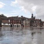 Reino Unido: Alerta de inundaciones por tormenta Desmond