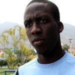 Luis Advíncula es utilizado como lateral izquierdo en Newell's