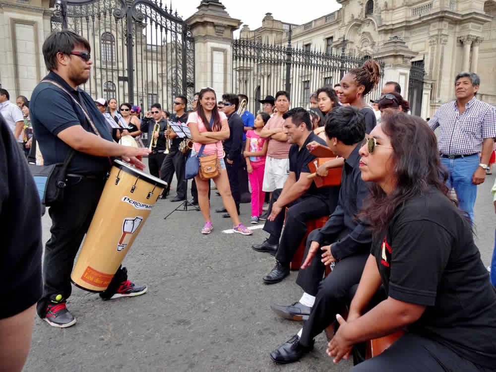 Celebraciones aniversario Lima 11