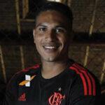 Paolo Guerrero es imagen de tercera camiseta oficial del Flamengo