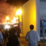 Cañete: Voraz incendio en tiendas Wong de Boulevard Asia