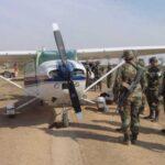 FFAA de Perú destruyen avión boliviano con 90 kilos de cocaína