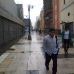 Lluvia madrugadora fuerte y prolongada sorprende a Lima (FOTOS)