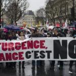 Francia: Masivas marchas de protesta contra el estado de emergencia