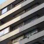 China: Niño sobrevive a una caída desde un decimoctavo piso