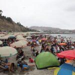 Minsa: Chapas, huesos de pollo y desechos en playas de Lima