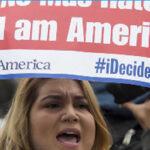 EEUU: Protestas por ley que obliga a maestros denunciar ilegales