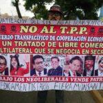 Jóvenes limeños protestan rechazando el acuerdo transpacífico