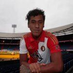 Renato Tapia vestirá el número 20 en Feyenoord