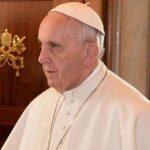 """Papa Francisco: La Iglesia aun """"agitada y sacudida"""" no se derrumba"""