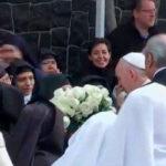Francisco rompe protocolo y saludó a monjas de clausura