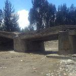 Río se desborda y afecta las bases de dos puentes en Jauja