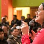 Verónika Mendoza pide a Toledo y Alan García retornen al país