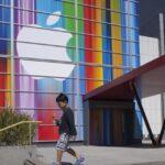 Apple no desbloqueará iPhone de autor de tiroteo en EEUU