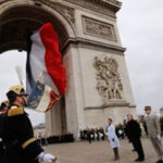 Francia recibe con honores militares a Raúl Castro (VIDEO)