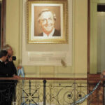 Gobierno retira retratos de Kirchner y Chávez de la Casa Rosada