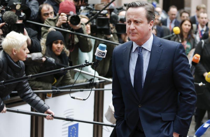 BRU1 BRUSELAS (BÉLGICA) 18/02/2016.- El primer ministro británico, David Cameron, a su llegada a la cumbre de líderes de la Unión Europea (UE) en Bruselas, Bélgica, hoy, 18 de febrero de 2016. Los jefes de Estado y de Gobierno de la UE se reunirán hoy y mañana en su primera cumbre de 2016, en la que el principal objetivo es cerrar un acuerdo con el Reino Unido para mantener al país en el seno del club comunitario, así como abordar la crisis de refugiados. EFE/Julien Warnand