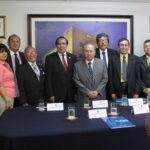 Universidad Bausate firma convenio con Academia de Doctores en Educación