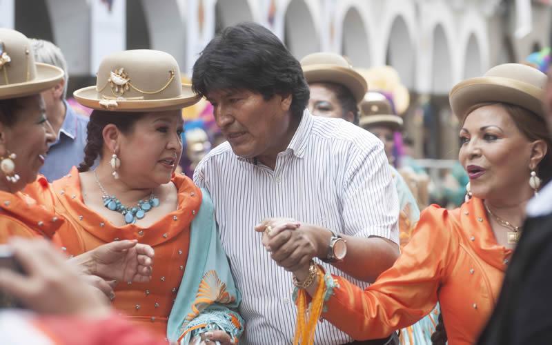 evo-carnaval-bolivia