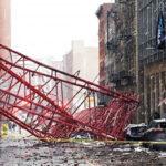 EEUU: Derrumbe de grúa en Manhattan deja un muerto y 3 heridos graves (VIDEO)