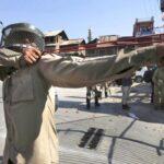 India: Policía recurre a las hondas, armas baratas contra violentistas