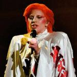 Grammy: Hijo de David Bowie contra homenaje de Lady Gaga