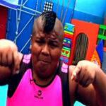Mayimbú cae y rebota en video viral de YouTube