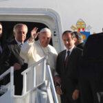 México: Miles de fieles reciben al Papa a su llegada a Ciudad Juárez