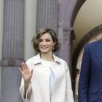 España: aplazan viaje de reyes a Inglaterra por formación del gobierno