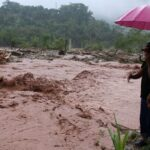 Pasco: Desborde de río Entaz inunda 70 viviendas