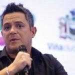 Alejandro Sanz: El que ve maltrato y no hace nada también es un canalla