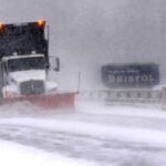 EEUU: Tormenta deja nieve, hielo y vuelos cancelados en costa este