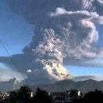 Ecuador: Volcán Tungurahua reactiva con explosiones y ceniza (VIDEO)