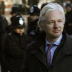 ONU pide libertad de Assange y afirma que debe ser acatada