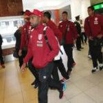 Selección Peruana llega de Uruguay en absoluto silencio