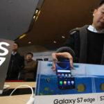 Samsung lanza a la venta nuevo 'smartphone' Galaxy S7 en 50 países