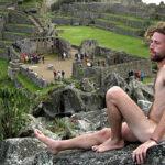 Detienen a turistas que se tomaban fotos desnudos en Machu Picchu