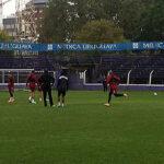 Selección peruana entrenó en Uruguay bajo intensa lluvia