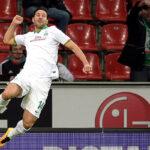 Claudio Pizarro anota un 'hat trick' en goleada del Bremen