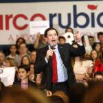 """Rubio dice que el """"estafador"""" Trump pone en riesgo el futuro de conservadores"""