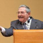 Raúl Castro a Obama: EEUU debe devolver base de Guantànamo (VIDEO)