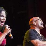 """Eva Ayllón cantó rock nacional """"Avenida Larco"""" con Andrés Dulude"""