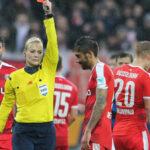 FIFA suprimiría el triple castigo: penalti, roja y suspensión