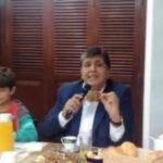 Alan García compartió desayuno electoral en familia (VIDEO)
