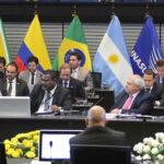 Unasur: Uruguay entrega presidencia temporal a Venezuela en Quito